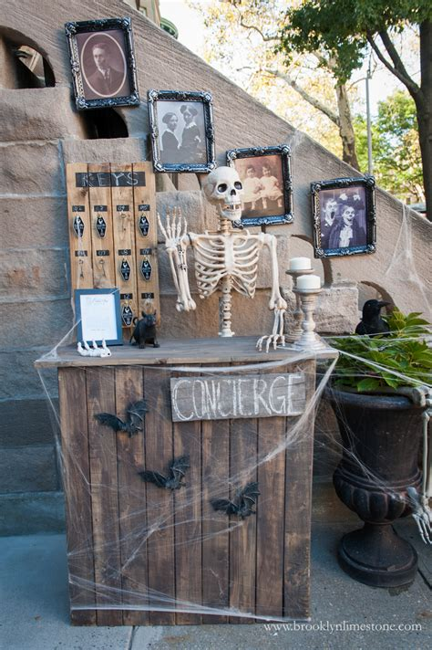 Eternal Rest Haunted Hotel Halloween Front Entrance from