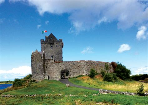 File:Dunguaire Castle, Galway, Ireland