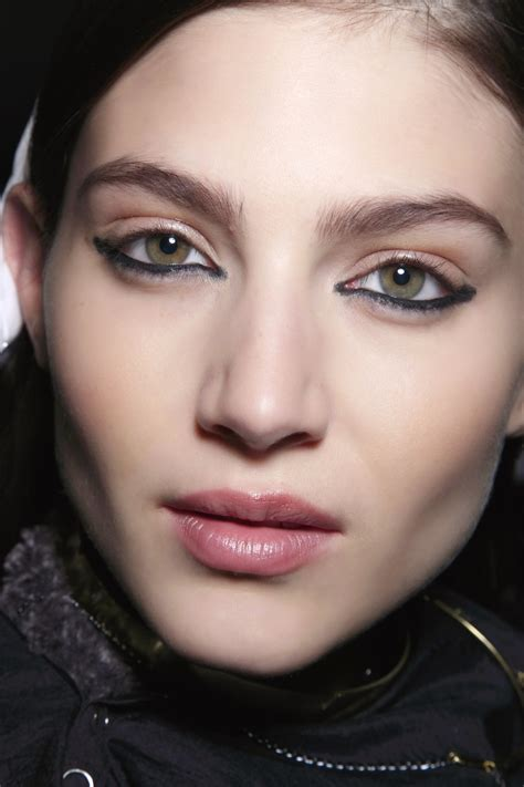 The Coolest Way To Wear Bottom Eyeliner | StyleCaster