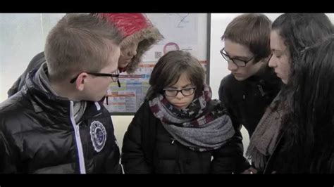 Harcèlement scolaire - YouTube