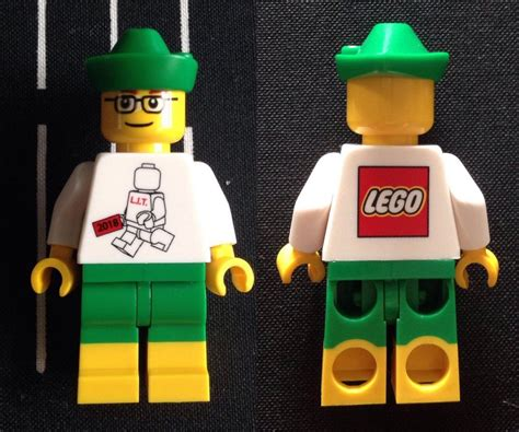 Lego 2018 Exclusive Inside Tour Minifigure - Very Rare and