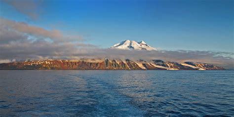 Cruise from Svalbard to Iceland: Arctic Island Exploration