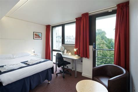 Summer accommodation in London - and 10 things to do while