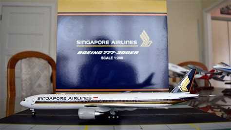 JC Wings 1:200 Singapore Airlines 777-300ER Unboxing and
